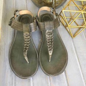 Frye Alessia Artisanal T Strap Sandal